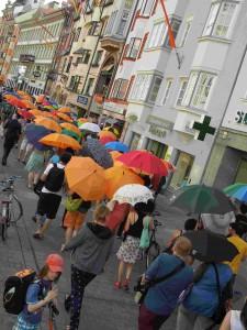 Weltfluechtlingstag2013_UmbrellaMarch1